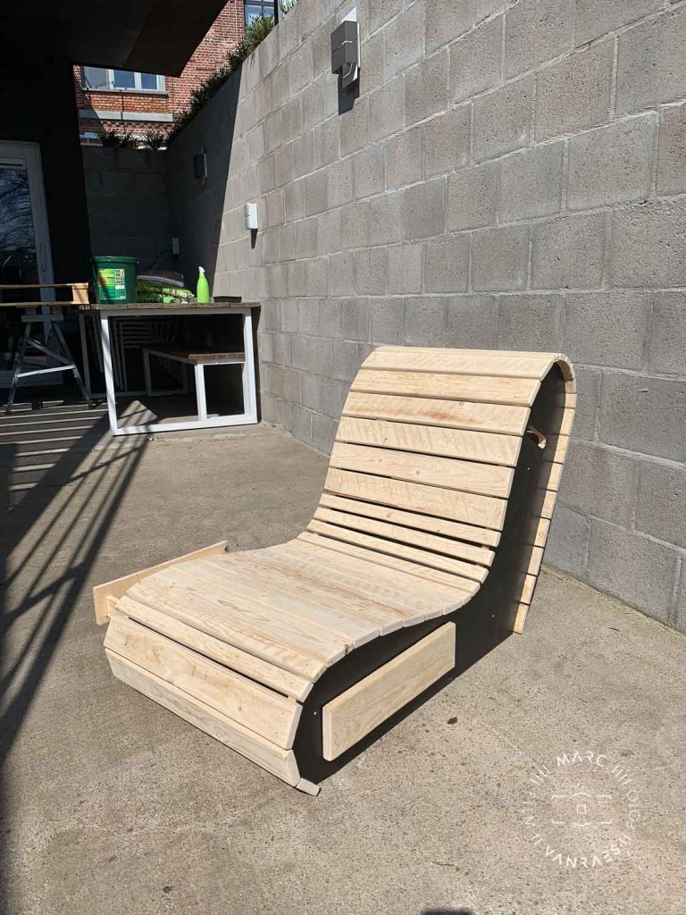 DIY garden chairs door Marc Vanraes